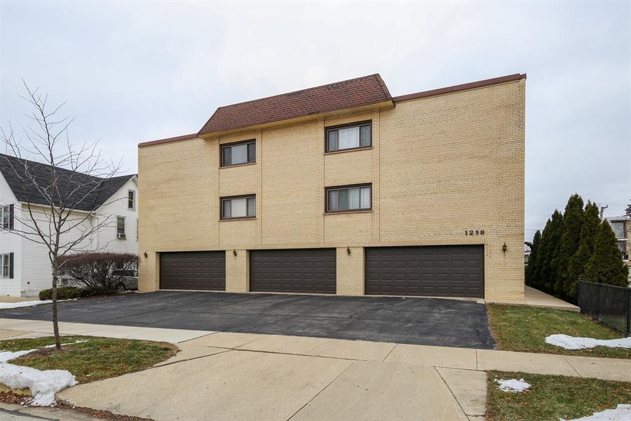 Real Estate Photography - 1258 Brown Street, Unit 102, Des Plaines, IL, 60016 - Front View