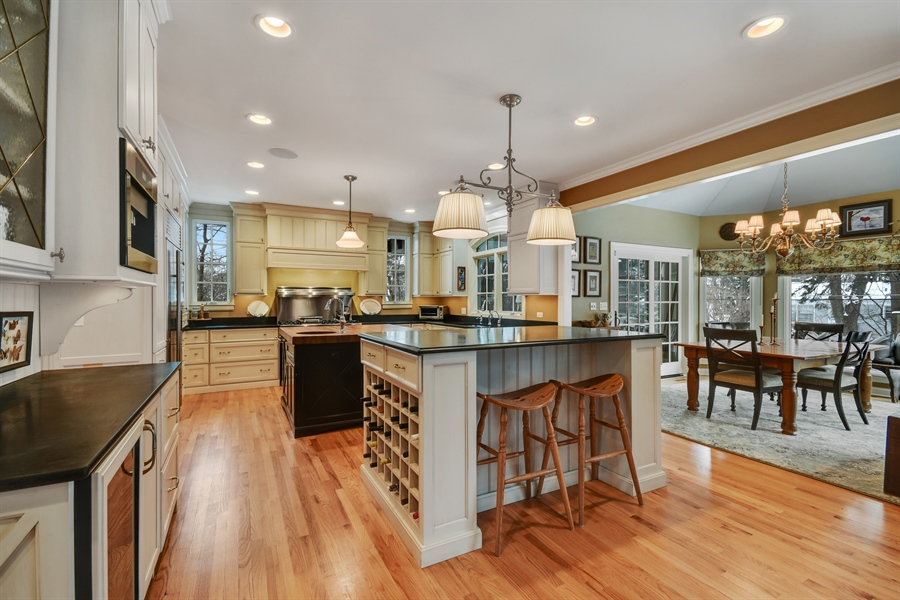 Real Estate Photography - 1221 Millet Street, Naperville, IL, 60563 - Kitchen / Breakfast Room