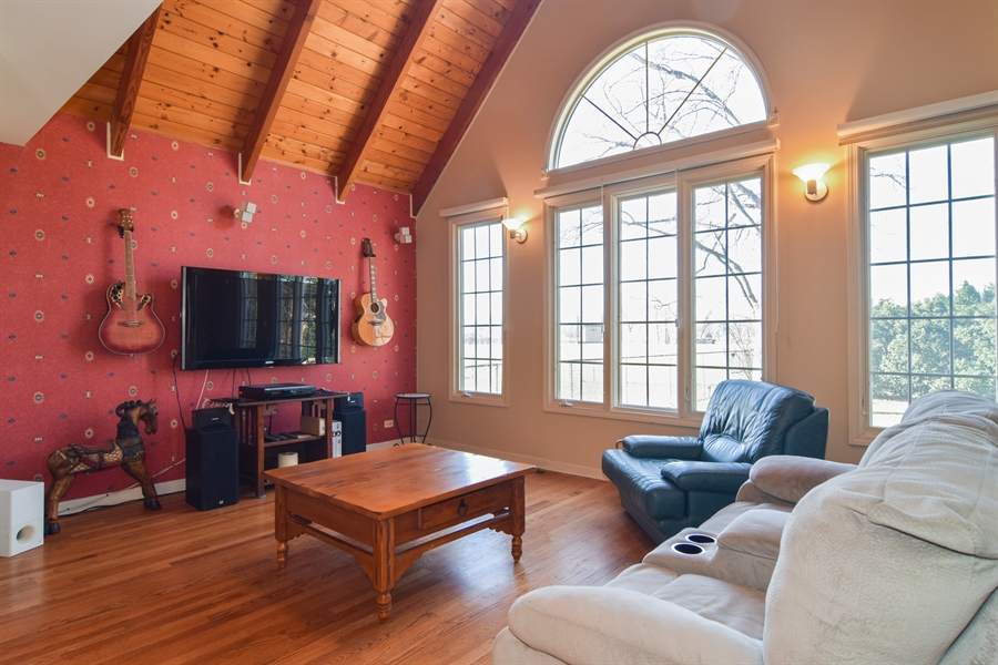 Real Estate Photography - 326 S. Hagans Avenue, Elmhurst, IL, 60126 - Family Room