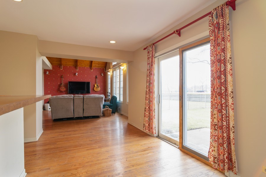 Real Estate Photography - 326 S. Hagans Avenue, Elmhurst, IL, 60126 - Dining Area