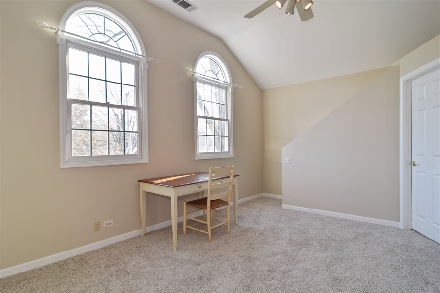 Real Estate Photography - 326 S. Hagans Avenue, Elmhurst, IL, 60126 - 2nd Floor Loft