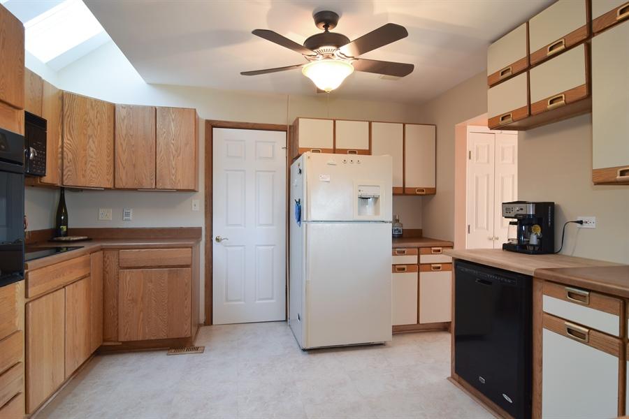 Real Estate Photography - 326 S. Hagans Avenue, Elmhurst, IL, 60126 - Kitchen