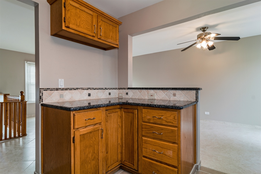 Real Estate Photography - 237 Gingerbrook Lane, Bartlett, IL, 60103 - Kitchen