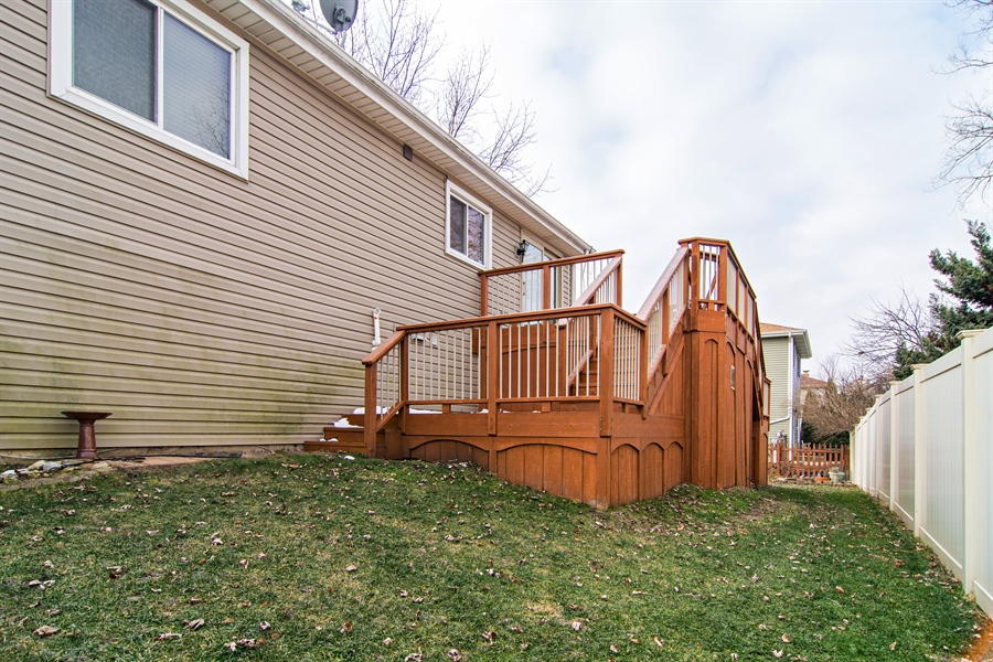 Real Estate Photography - 237 Gingerbrook Lane, Bartlett, IL, 60103 - Rear View