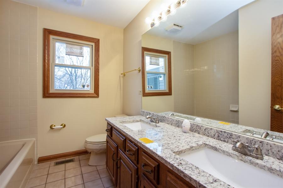 Real Estate Photography - 20324 W BUCKTHORN CT, MUNDELEIN, IL, 60060 - 5th Bathroom