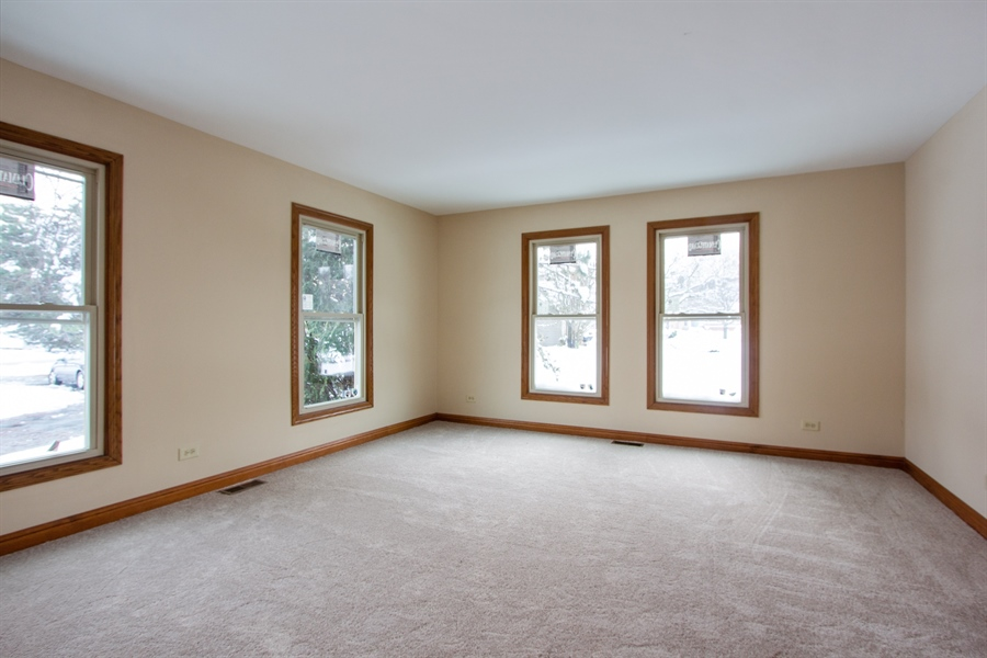 Real Estate Photography - 20324 W BUCKTHORN CT, MUNDELEIN, IL, 60060 - Living Room