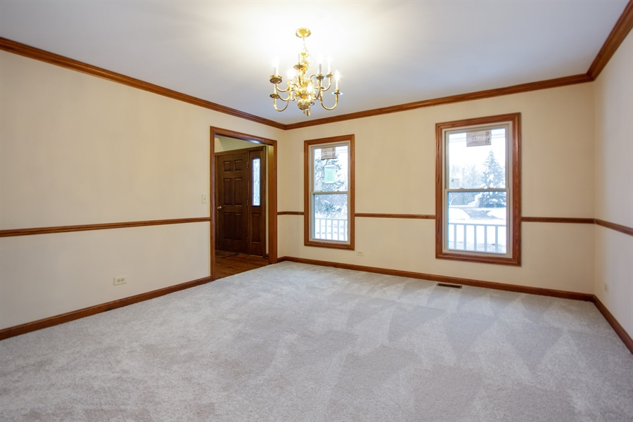 Real Estate Photography - 20324 W BUCKTHORN CT, MUNDELEIN, IL, 60060 - Dining Room