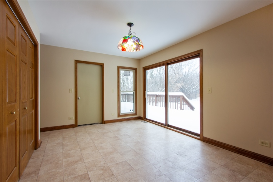 Real Estate Photography - 20324 W BUCKTHORN CT, MUNDELEIN, IL, 60060 - Laundry Room