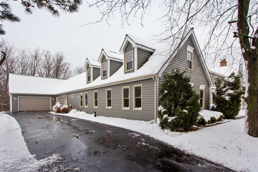 Real Estate Photography - 20324 W BUCKTHORN CT, MUNDELEIN, IL, 60060 - Side View