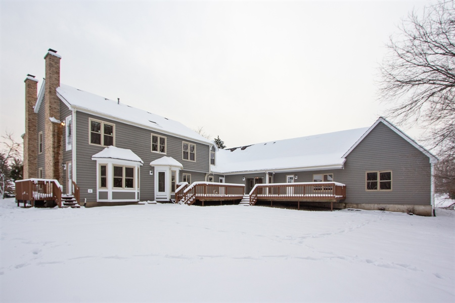 Real Estate Photography - 20324 W BUCKTHORN CT, MUNDELEIN, IL, 60060 - Rear View