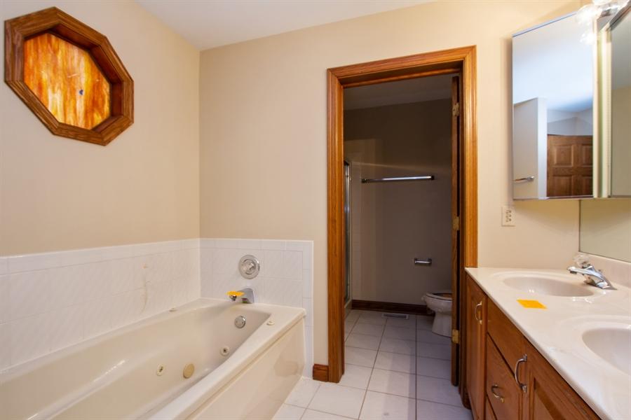 Real Estate Photography - 20324 W BUCKTHORN CT, MUNDELEIN, IL, 60060 - Bathroom