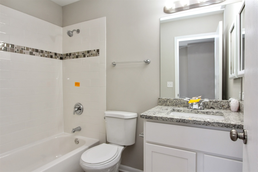 Real Estate Photography - 580 PEACHTREE LN, LAKE ZURICH, IL, 60047 - 3rd Bathroom