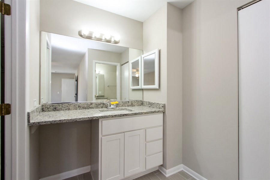 Real Estate Photography - 580 PEACHTREE LN, LAKE ZURICH, IL, 60047 - Master Bathroom