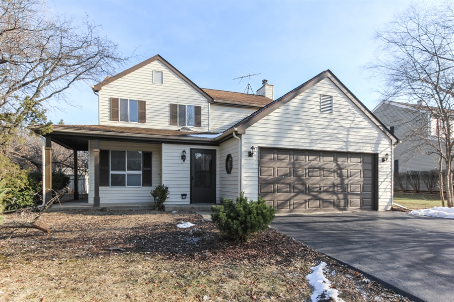 Real Estate Photography - 580 PEACHTREE LN, LAKE ZURICH, IL, 60047 - Front View