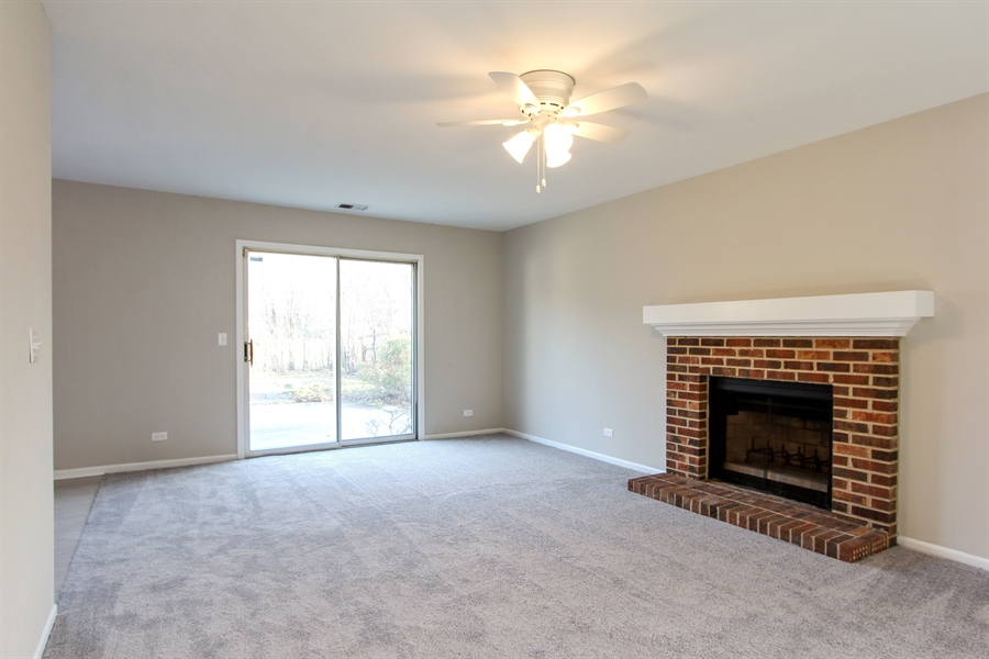 Real Estate Photography - 580 PEACHTREE LN, LAKE ZURICH, IL, 60047 - Family Room