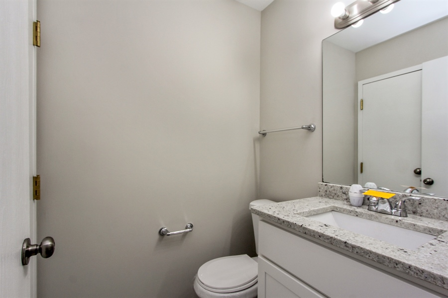 Real Estate Photography - 580 PEACHTREE LN, LAKE ZURICH, IL, 60047 - Bathroom