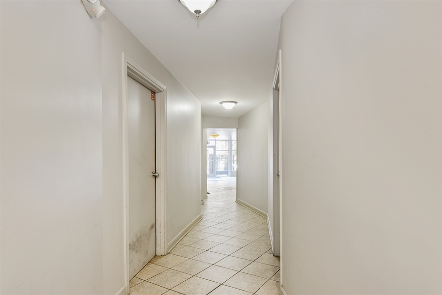 Real Estate Photography - 5854 North Kenmore Ave, Chicago, IL, 60660 - Location 1