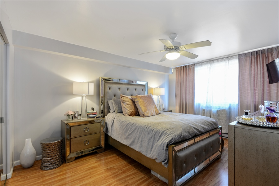 Real Estate Photography - 5854 North Kenmore Ave, Chicago, IL, 60660 - 2nd Bedroom
