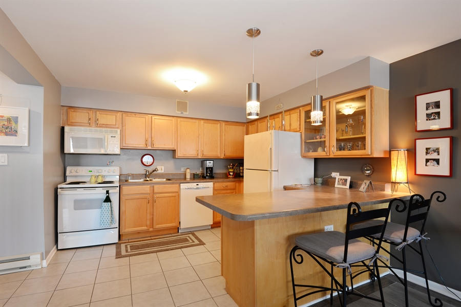Real Estate Photography - 5854 North Kenmore Ave, Chicago, IL, 60660 - Kitchen