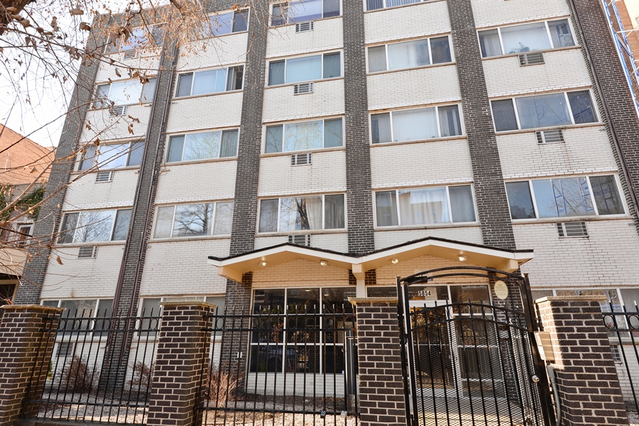 Real Estate Photography - 5854 North Kenmore Ave, Chicago, IL, 60660 - Front View