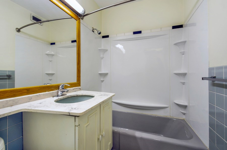 Real Estate Photography - 3440 North Lake Shore Dr, 10C, Chicago, IL, 60657 - Bathroom