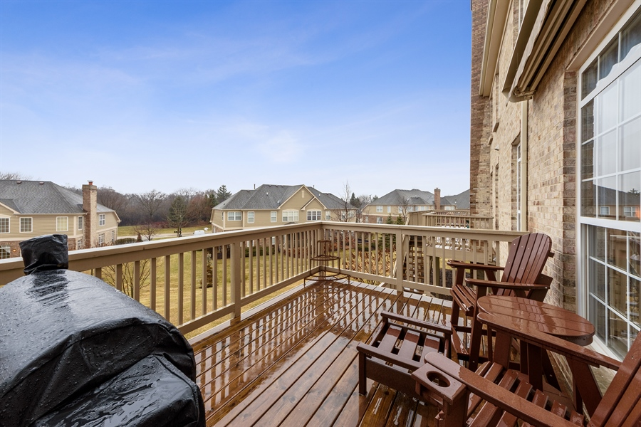 Real Estate Photography - 705 Fieldstone Court, Inverness, IL, 60010 - Deck