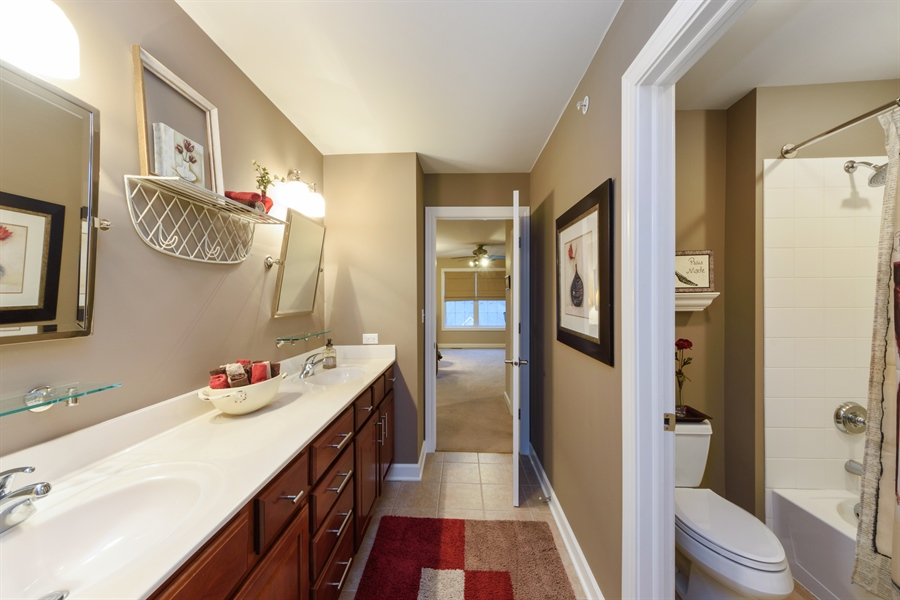 Real Estate Photography - 705 Fieldstone Court, Inverness, IL, 60010 - 2nd Bathroom