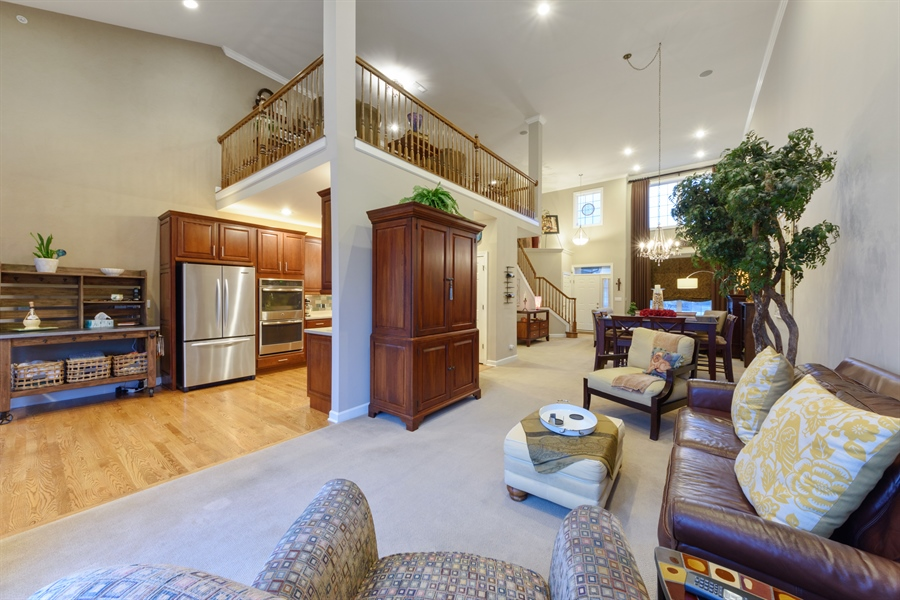 Real Estate Photography - 705 Fieldstone Court, Inverness, IL, 60010 - Family Room / Kitchen