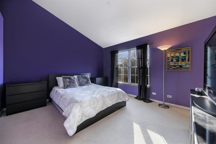 Real Estate Photography - 2293 Hudson Circle, Unit 0, Aurora, IL, 60502 - Master Bedroom