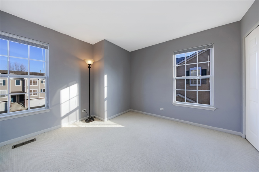 Real Estate Photography - 2293 Hudson Circle, Unit 0, Aurora, IL, 60502 - 2nd Bedroom