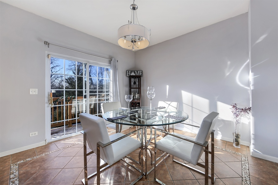 Real Estate Photography - 2293 Hudson Circle, Unit 0, Aurora, IL, 60502 - Dining Room