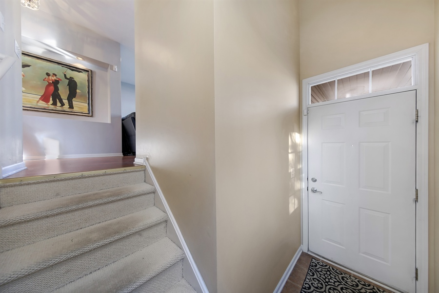 Real Estate Photography - 2293 Hudson Circle, Unit 0, Aurora, IL, 60502 - Entryway