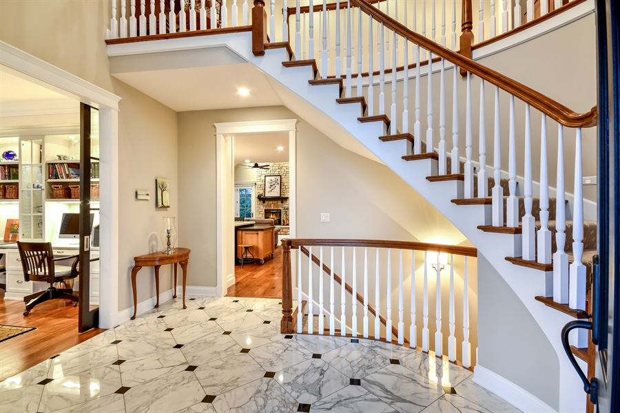 Real Estate Photography - 204 S. 5th Street, Geneva, IL, 60134 - Foyer