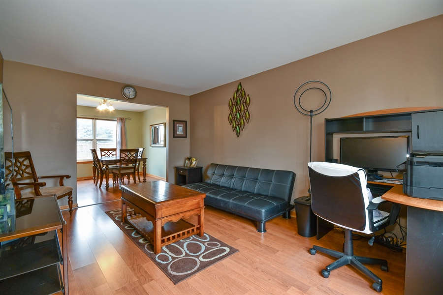 Real Estate Photography - 599 Ryegrass Circle, Aurora, IL, 60504 - Living Room
