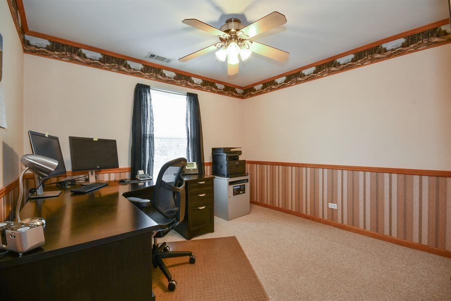 Real Estate Photography - 599 Ryegrass Circle, Aurora, IL, 60504 - 3rd Bedroom