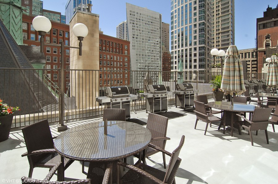Real Estate Photography - 111 E. Chestnut Street, Unit 43A, Chicago, IL, 60611 - Common Sundeck
