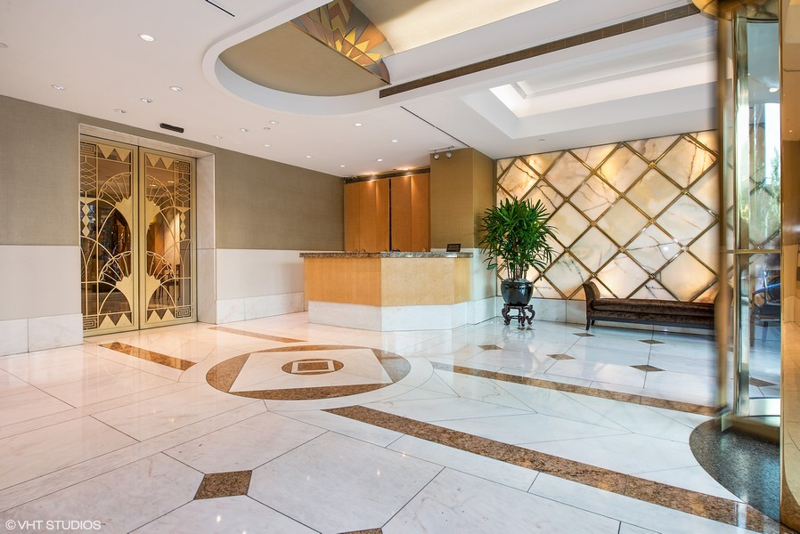 Real Estate Photography - 111 E. Chestnut Street, Unit 43A, Chicago, IL, 60611 - Lobby