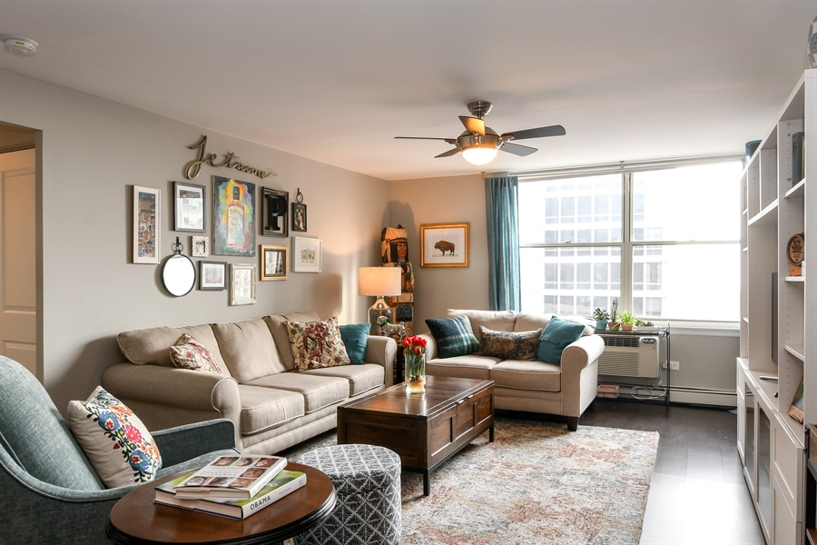 Real Estate Photography - 3033 N. Sheridan Road, Unit 1004, Chicago, IL, 60657 - Living Room