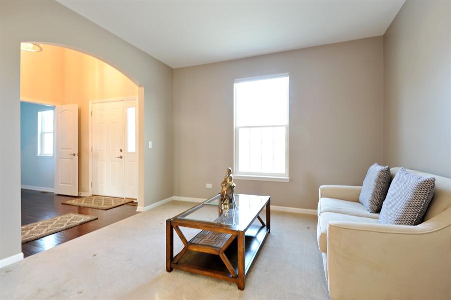 Real Estate Photography - 2365 Kelsey Court, Lindenhurst, IL, 60046 - Living Room