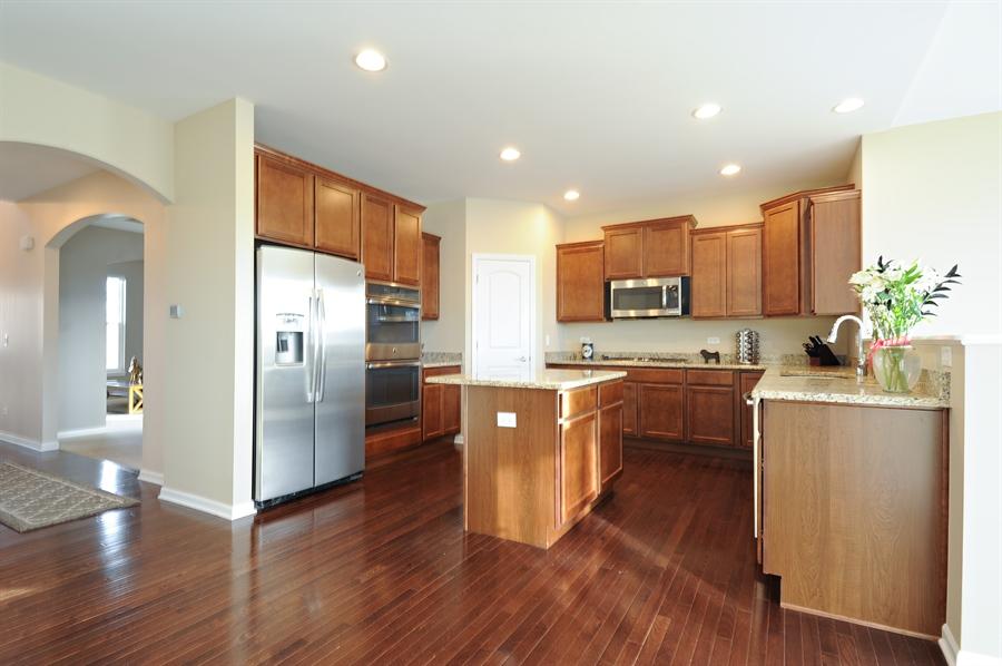 Real Estate Photography - 2365 Kelsey Court, Lindenhurst, IL, 60046 - Kitchen