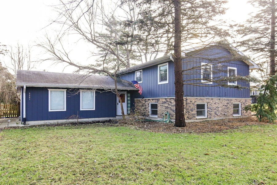 Real Estate Photography - 5001 HIGH LINE Road, Crystal Lake, IL, 60012 - Front View