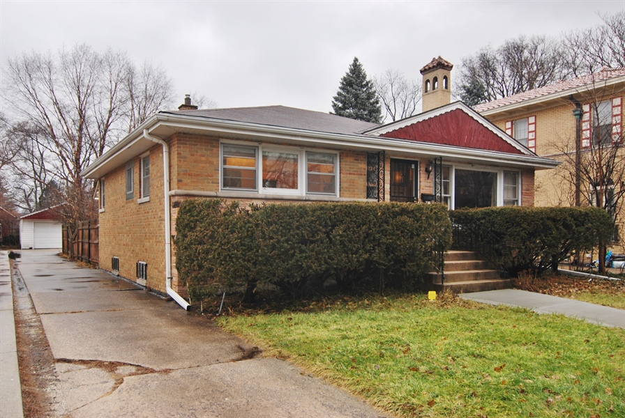 Real Estate Photography - 730 Augusta Street, Oak Park, IL, 60302 - Front View
