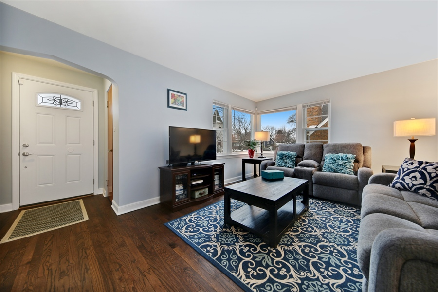 Real Estate Photography - 9138 Grant Ave, Brookfield, IL, 60513 - Family Room
