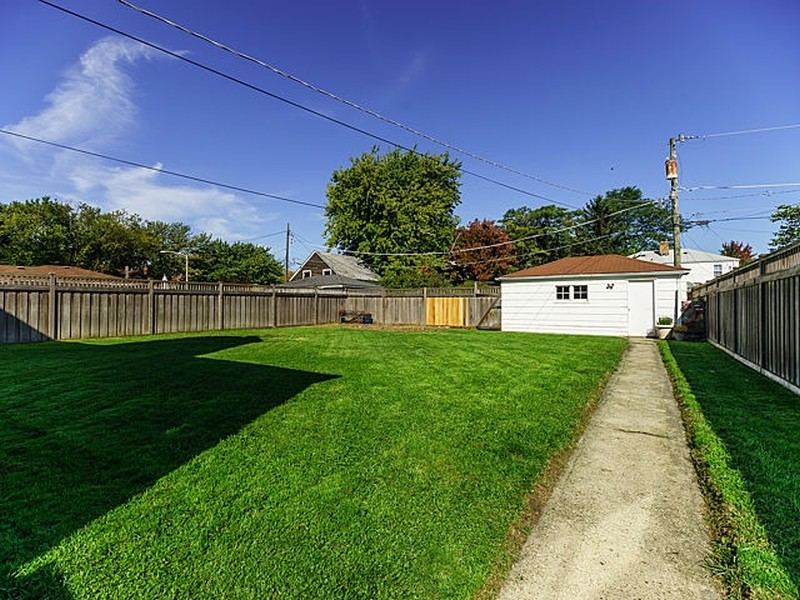 Real Estate Photography - 9138 Grant Ave, Brookfield, IL, 60513 -