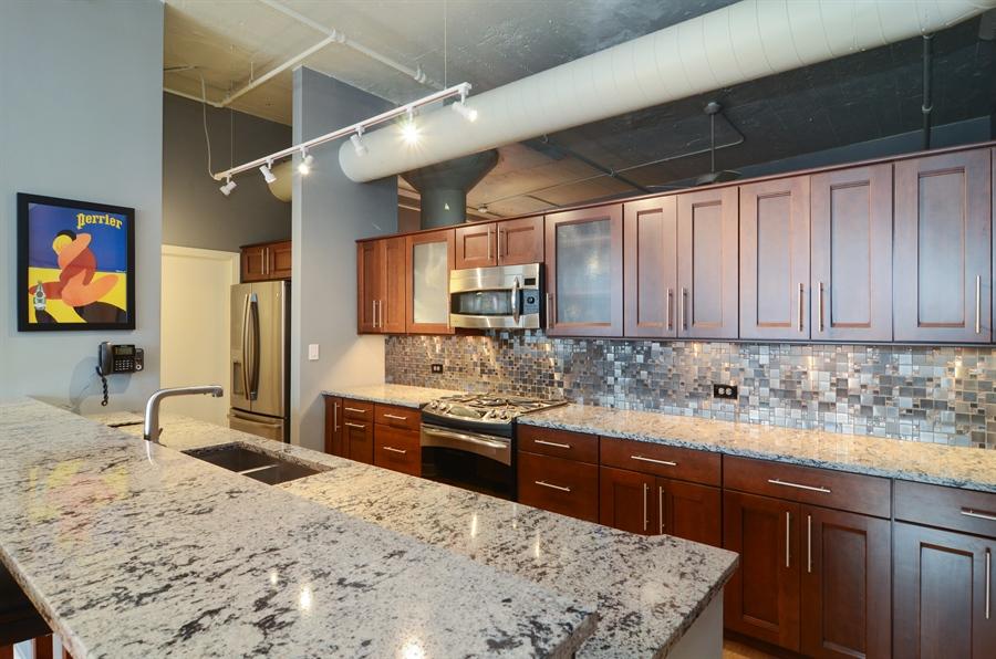 Real Estate Photography - 411 W. ONTARIO Street, Unit 721, Chicago, IL, 60654 - Kitchen