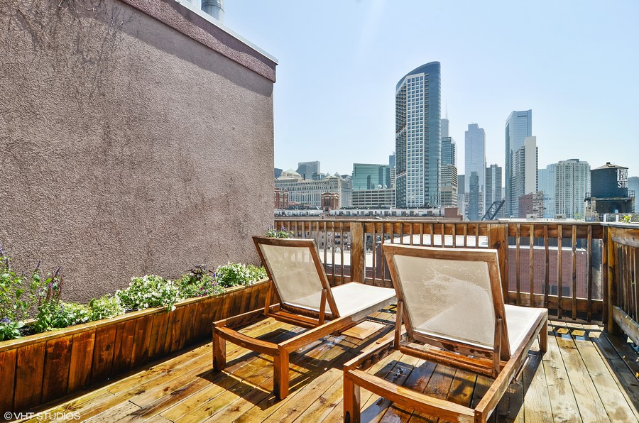 Real Estate Photography - 411 W. ONTARIO Street, Unit 721, Chicago, IL, 60654 - Unit Deck