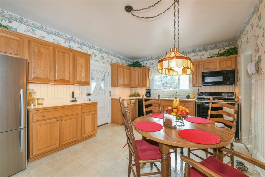 Real Estate Photography - 214 W. Benton Avenue, Naperville, IL, 60540 - Kitchen / Breakfast Room