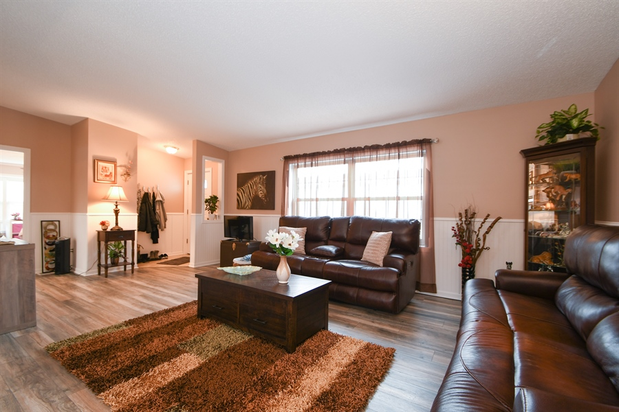 Real Estate Photography - 25756 Scioto St, Monee, IL, 60449 - Living Room