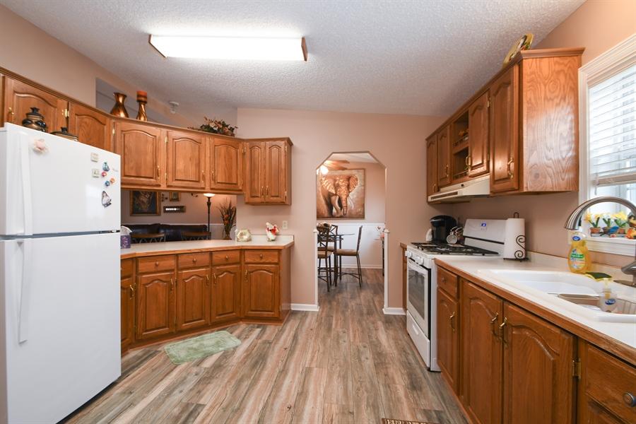 Real Estate Photography - 25756 Scioto St, Monee, IL, 60449 - Kitchen