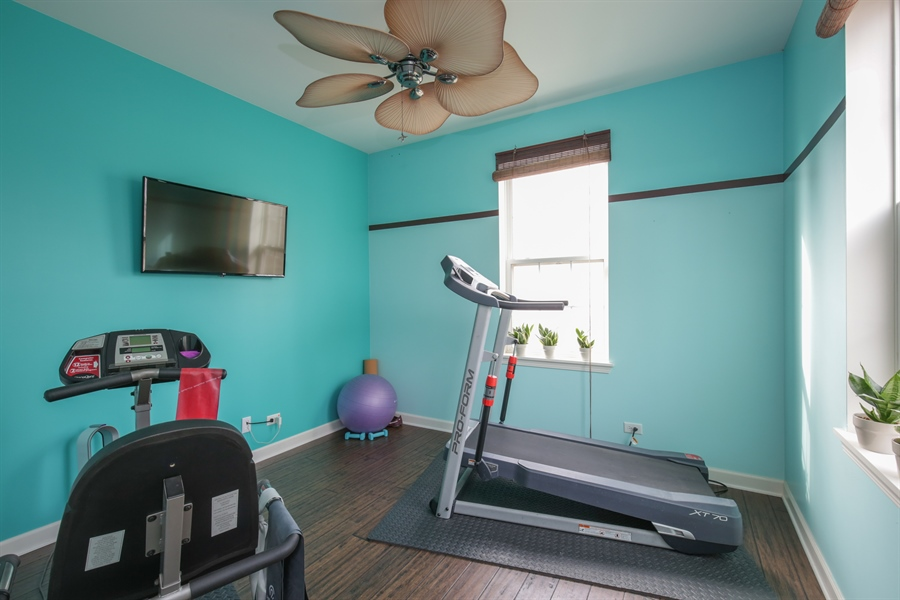Real Estate Photography - 3048 Seekonk Ave, Elgin, IL, 60124 - Exercise Room